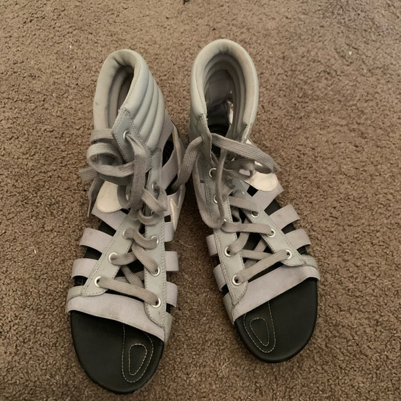 nike gladiator sandals